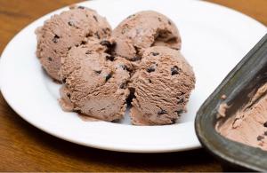 גלידת שוקולד ביתית
