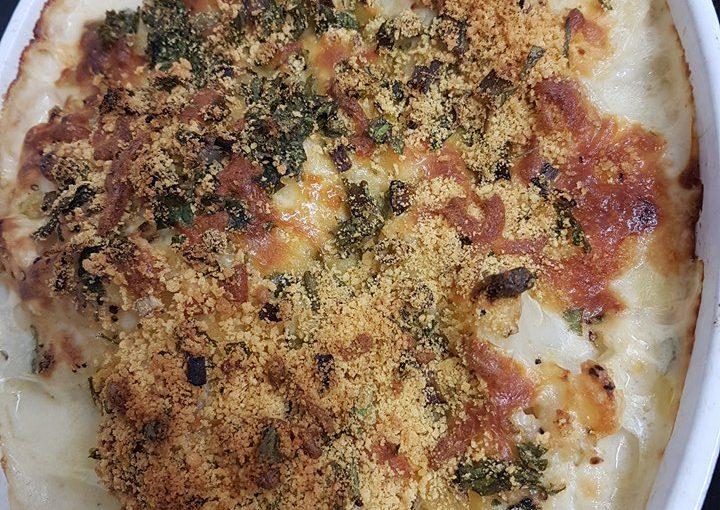 כרובית בתנור ברוטב בשמל גבינות וציפוי קריספי
