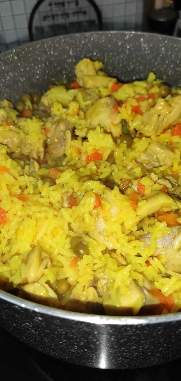 תבשיל פרגיות ואורז בסיר אחד
