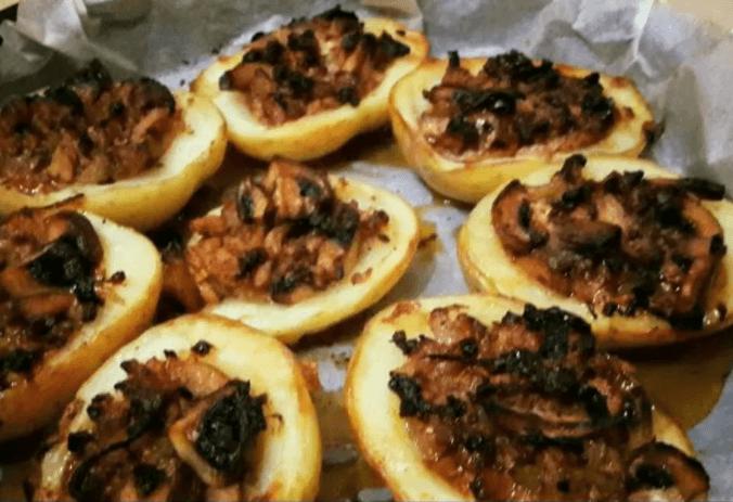 סירות תפוחי אדמה ממולאות